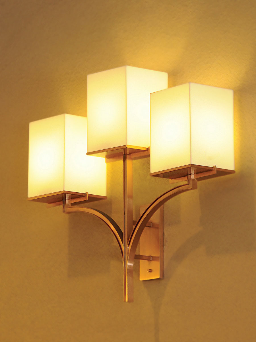 Trafalgar Sconce at Lusive.com