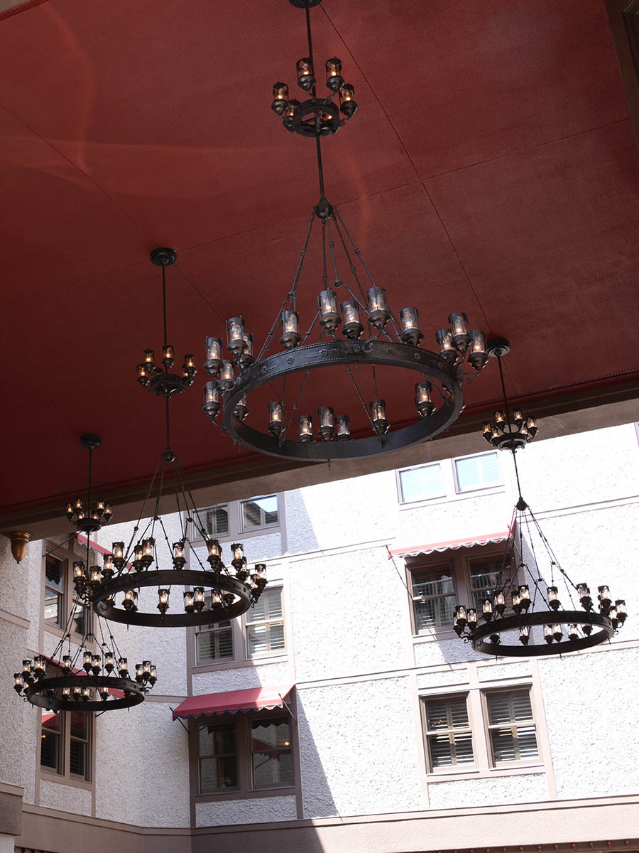 Viktoria Chandelier at Lusive.com